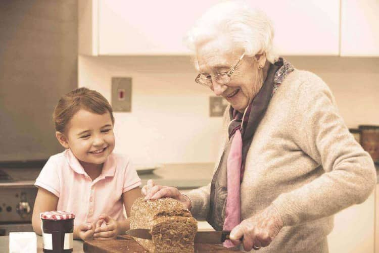 Iowa, Des Moines Elderly Care