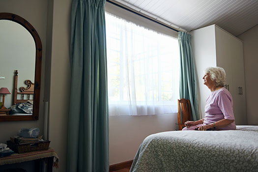 6 Major Risks for Seniors Who Live Alone at Home in Des Moines, IA