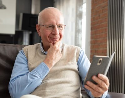 Great Apps for Senior Stroke Survivors in Des Moines, IA