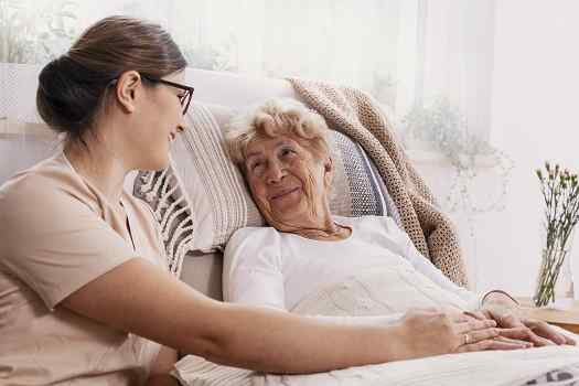 Tips to Help an Older Loved One Recover from Surgery at Home in Des Moines, IA