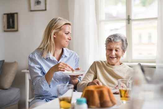 Red Flags to Watch for When Visiting Your Aging Parent in Des Moines, IA